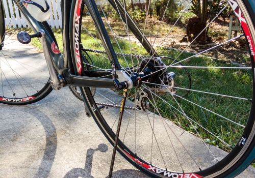 "The Upstand Commuter Kickstand Carbon Fiber for 29/"" Wheel Mountain Bikes"